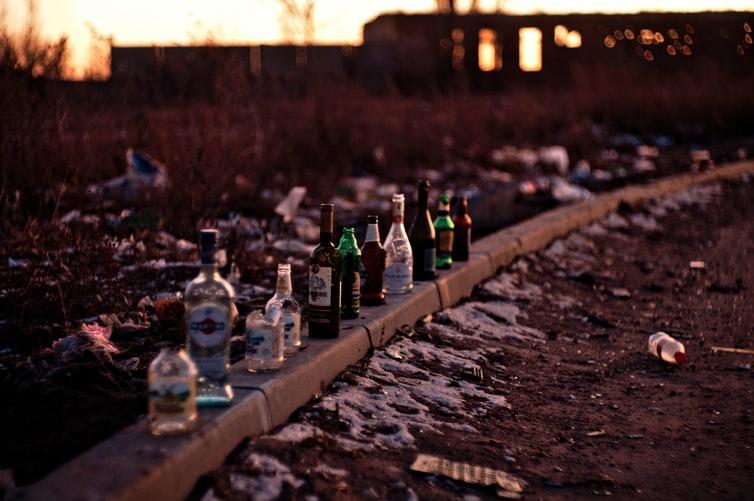 ALCOLISMO: LE CAUSE DI UN MALE CRONICO